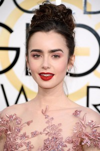 BEVERLY HILLS, CA - JANUARY 08: Lily Collins attends the 74th Annual Golden Globe Awards at The Beverly Hilton Hotel on January 8, 2017 in Beverly Hills, California. (Photo by Venturelli/WireImage)